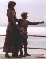 Statue of Annie Moore and her brothers